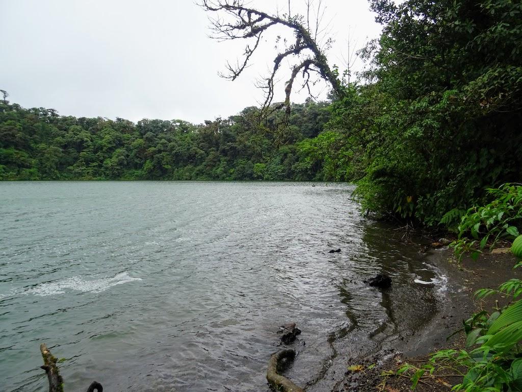 Costa Rica Arenal Cerro Chato trail cratere 2