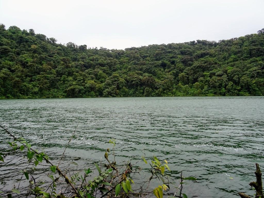 Costa Rica Arenal Cerro Chato trail cratere 3