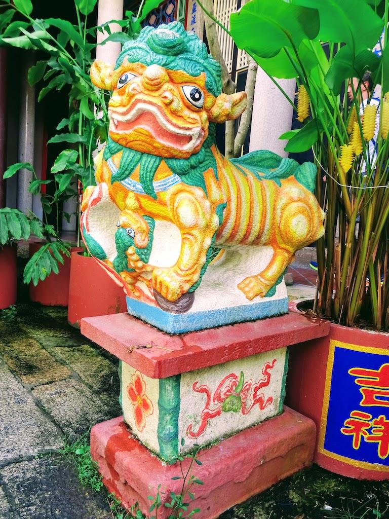 Malaisie Penang Kek Lok Si statue dog