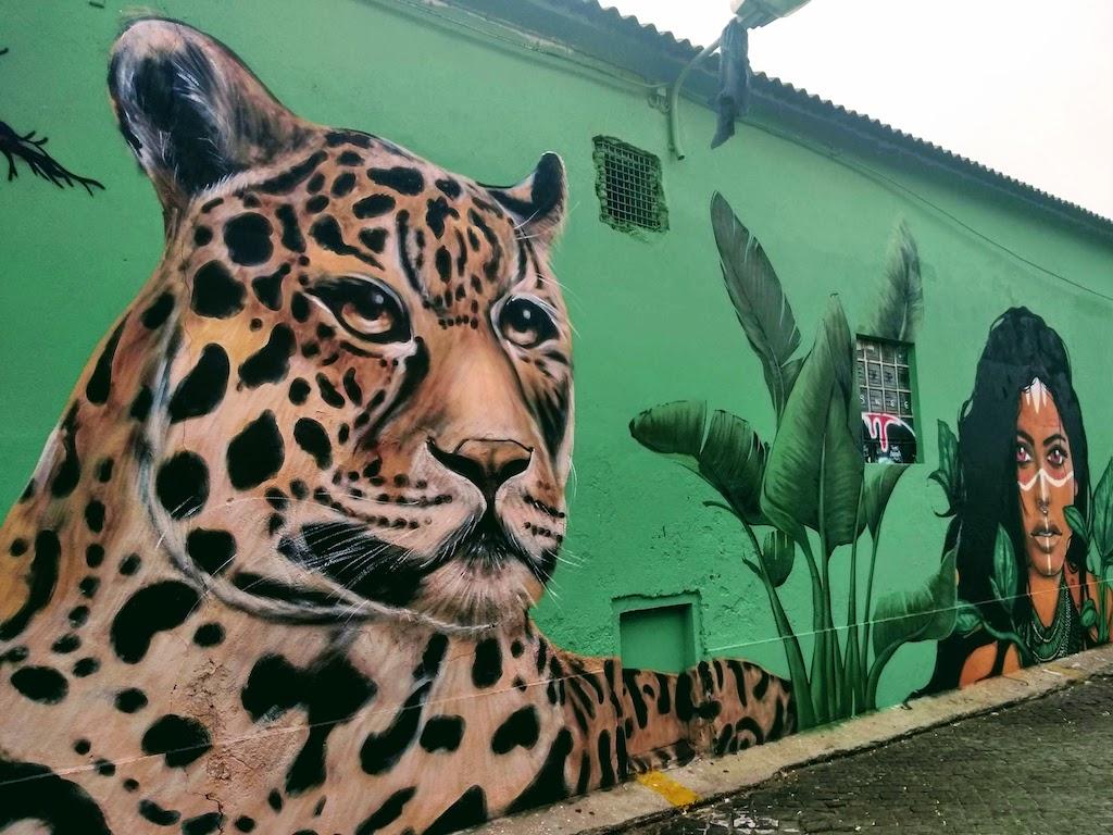 Portugal Lisbonne street art leopard