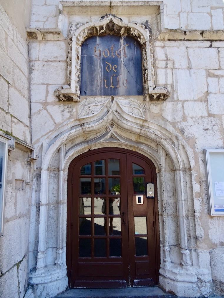 France Aix-les-Bains porte mairie