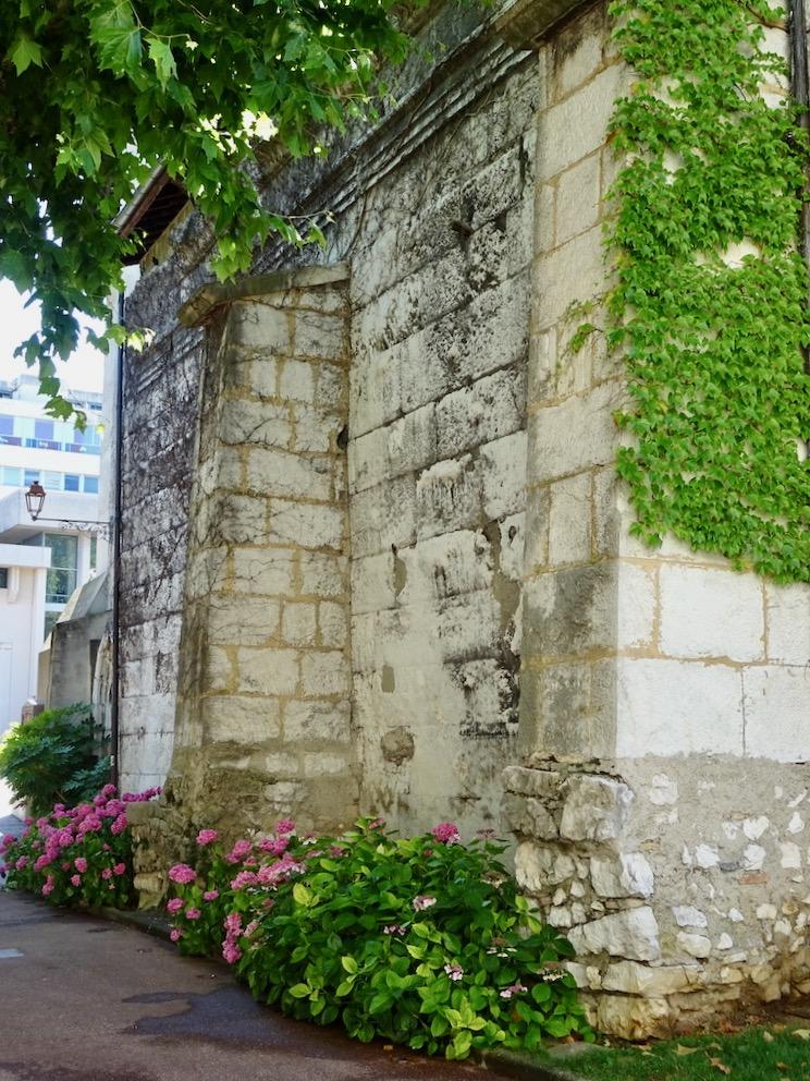 France Aix Les Bains Diana temple side