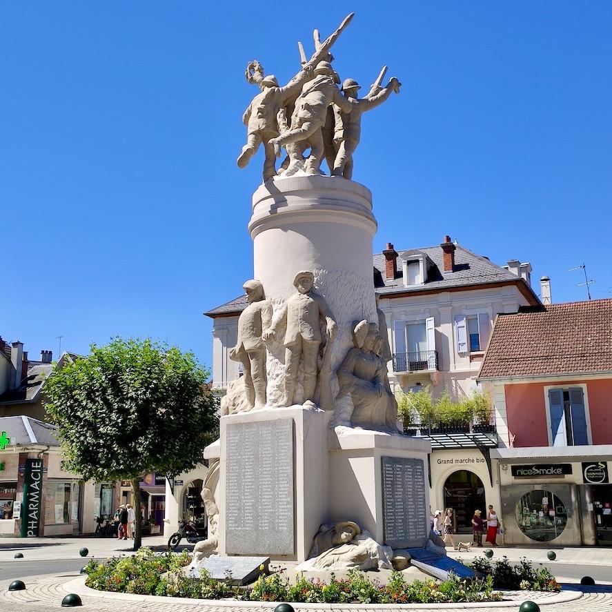 France Aix Les Bains War memorial