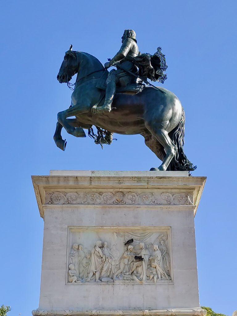 Spain Madrid park Oriente statue details